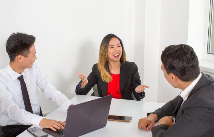 仕事で英語を使う職業を紹介